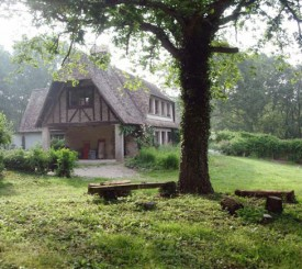 ENJOY YOUR OWN FRENCH VILLA IN THE FOREST NEAR GIVERNY